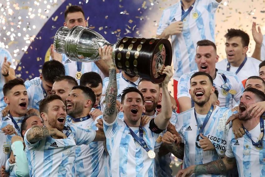 Scaloni reveló que Messi disputó la final con un problema físico