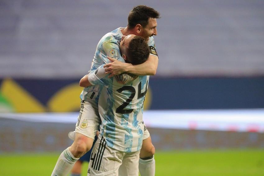 Argentina avanza a cuartos con triunfo sobre Paraguay (Video)