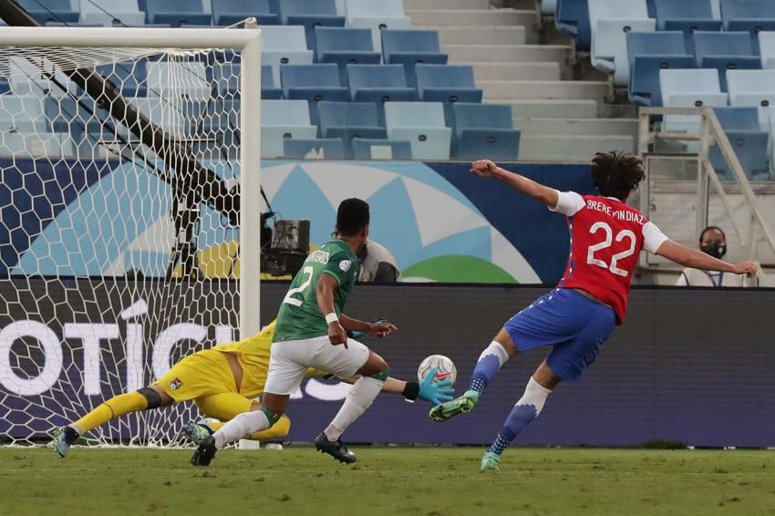 Chile logra su primer triunfo al vencer a Bolivia (Video)