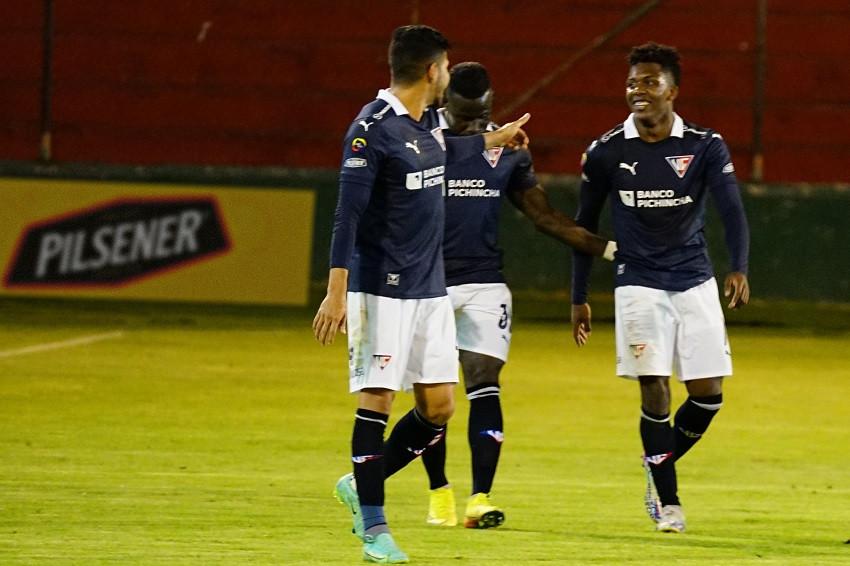 Liga de Quito se impone con gol polémico