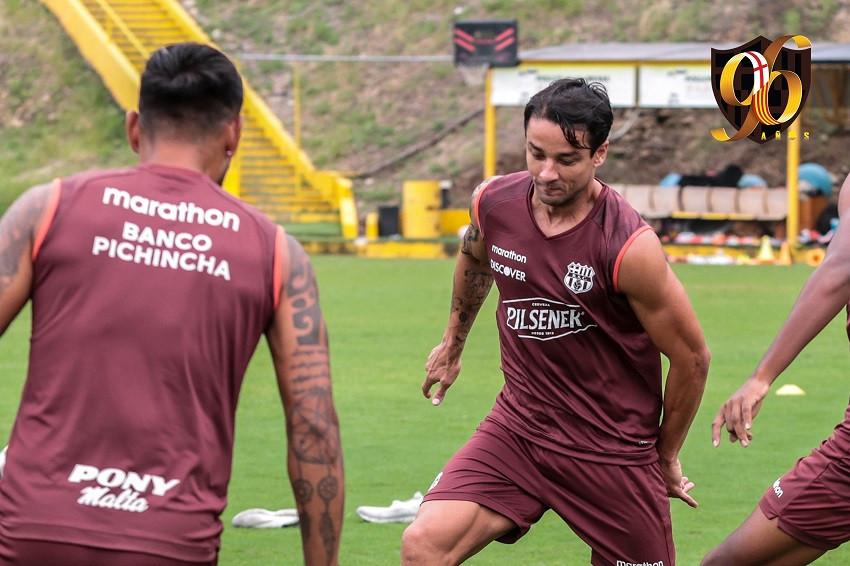 Gabriel Marques regresa a los entrenamientos de Barcelona (Video)
