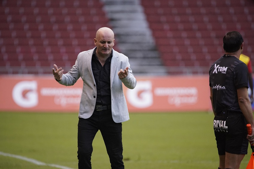 Liga de Quito busca acuerdo para terminar vínculo con Repetto