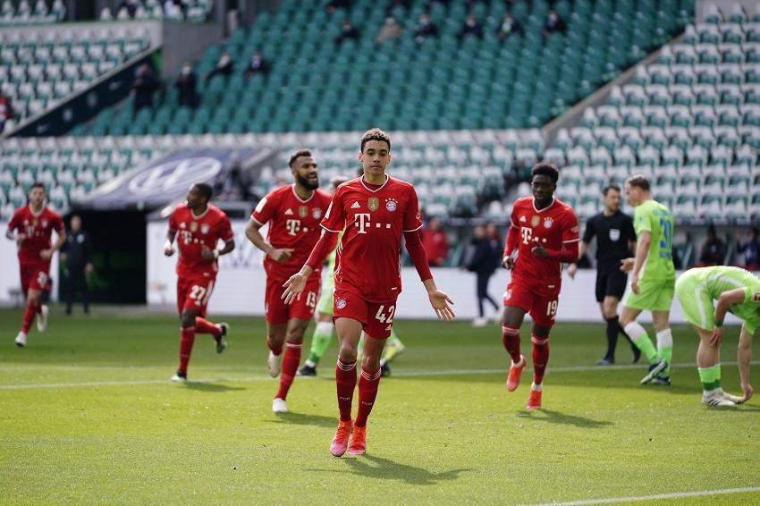 Bayern gana de visitante y da paso importante al título (Video)
