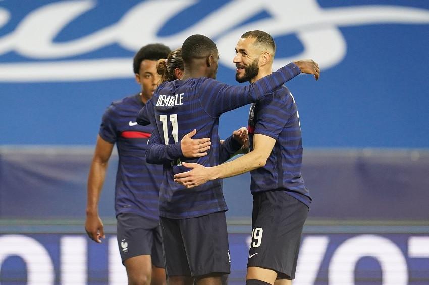 Benzema falla un penal, pero Francia muestra poder y golea a Gales (Video)