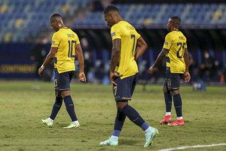 Errores condenan a la Tri contra Argentina (Video)