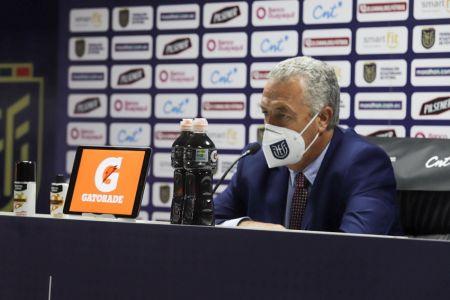 Alfaro reconoce errores ante Perú y se preocupa porque Ecuador sea un