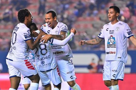 Romario Ibarra anota en goleada del Pachuca (Video)