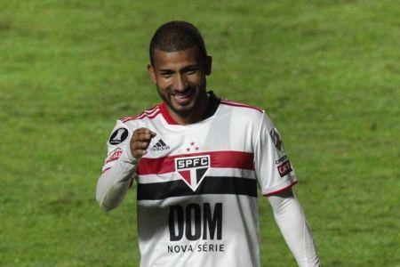 Joao Rojas extiende contrato con Sao Paulo