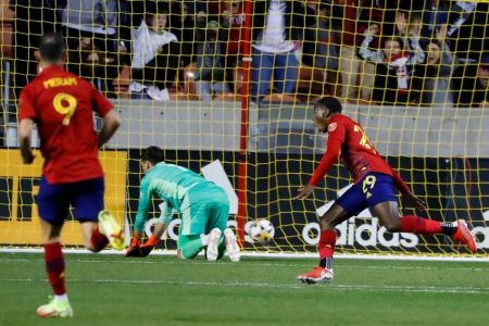 (Video) Anderson Julio anota impresionante gol en triunfo del Real Salt Lake