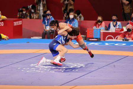 Luisa Valverde cae en cuartos de final en lucha, pero asegura diploma olímpico