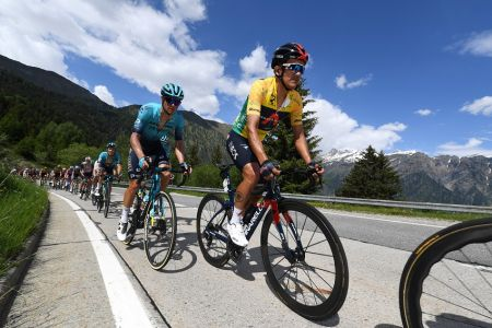 Carapaz sostiene el liderato en sexta etapa del Tour de Suiza