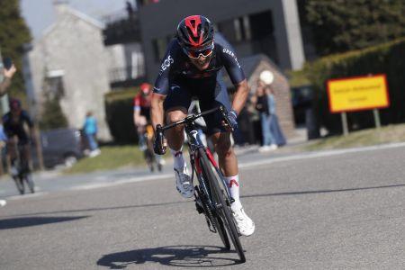 Carapaz gana etapa 5 y es nuevo líder en el Tour de Suiza (Video)