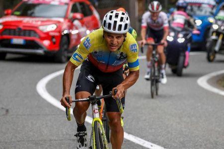 Jonathan Caicedo sufre dura caída y abandona el Giro de Italia (Video)