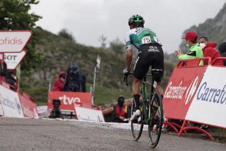 Jefferson Cepeda continúa su ascenso tras dura etapa 17 en la Vuelta a España