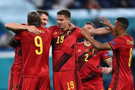 Bélgica, con doblete de Lukaku, gana con categoría a Rusia (Video)