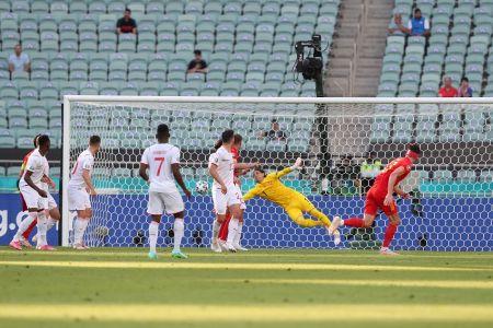 Gales reacciona y consigue el empate contra Suiza