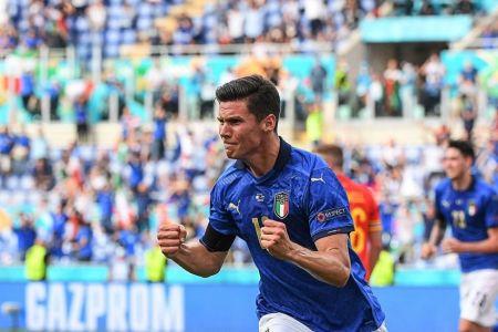 Italia ratifica condición de candidato, Gales clasifica pese a la derrota (Video)