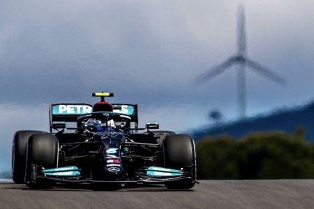 Bottas supera a Hamilton y logra la 'pole' en Portugal