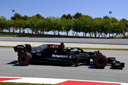 Hamilton logra su 'pole' número 100 en la Fórmula 1 (Video)