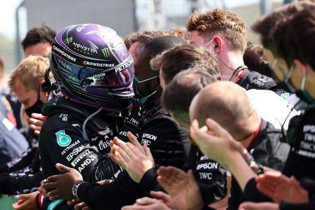 Hamilton gana en Portugal y refuerza liderato en el Mundial