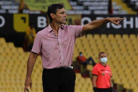 Bustos, elegido como DT de la Semana en la Libertadores (Video)