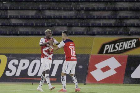 Guayaquil City, respaldado en Banguera, arranca empate contra Universidad Católica