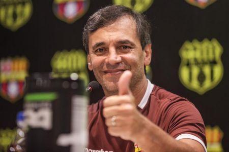 Barcelona espera definir últimos detalles para anunciar renovación con Bustos
