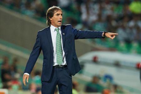 Almada responde sobre una posible opción de dirigir a Liga de Quito