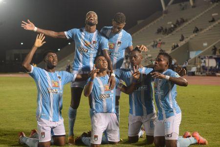 9 de Octubre doblega a Emelec y clasifica a semifinales en la Supercopa Ecuador
