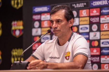 Bustos responde ante rumores sobre Perlaza como opción en Barcelona