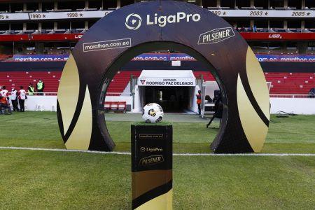 Quito apunta a convertirse en primera ciudad del país con el regreso de aficionados a los estadios