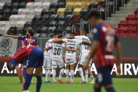 Santos completa el grupo de Barcelona en Libertadores
