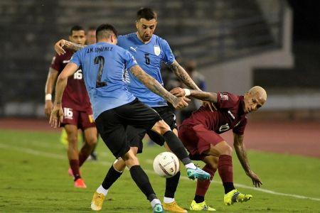 Uruguay vuelve a igualar sin goles, esta vez ante Venezuela