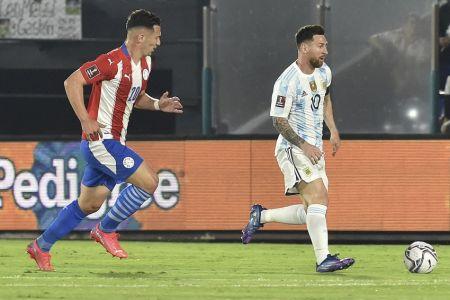 (Video) Paraguay neutraliza a Messi, pero no pasa del empate contra Argentina