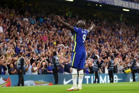 (Video) Lukaku anota primer doblete en Stamford Bridge y lidera goleada de Chelsea