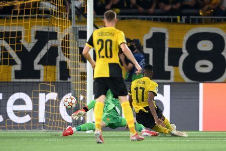 (Video) Young Boys sorprende con remontada agónica frente al Manchester United