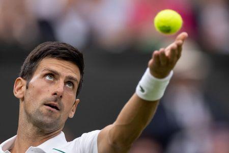 Djokovic evita la sorpresa y se estrena con triunfo en Wimbledon (Video)
