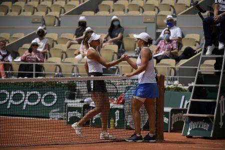 Ashleigh Barty, número uno del mundo, sufre lesión y abandona Roland Garros