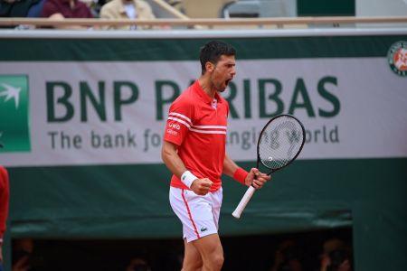 Djokovic muestra autoridad para clasificar a octavos en Roland Garros
