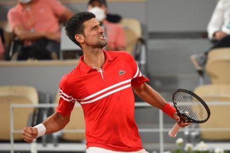 Djokovic vence a Berrettini y se cita con Nadal en semifinales de Roland Garros