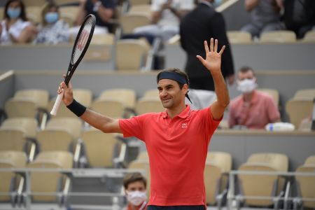 Federer decide no disputar su partido de octavos y se despide de Roland Garros