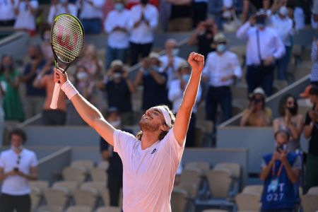 Tsitsipas gana batalla a Zverev y disputará primera final de Grand Slam
