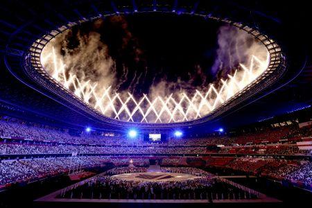 Los Juegos Olímpicos de Tokio 2020 finalizan con espectacular ceremonia (Video)